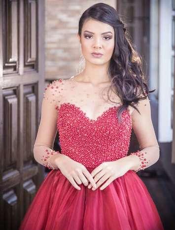 Vestido de debutante Marsala